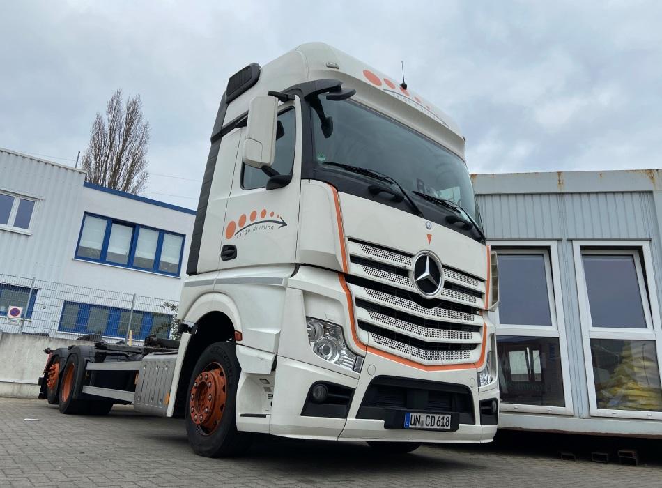 Mercedes Actross